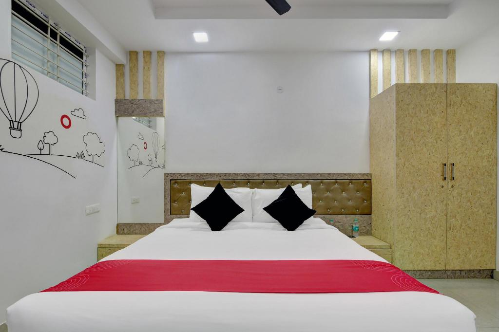 Collection O 30073 Near Sarjapur Road Bangalore India Photos Room Rates Promotions