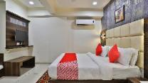 OYO 8484 Hotel Royal Residency