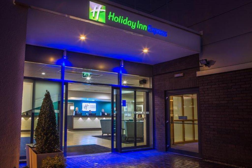 More about Holiday Inn Express Manchester Airport