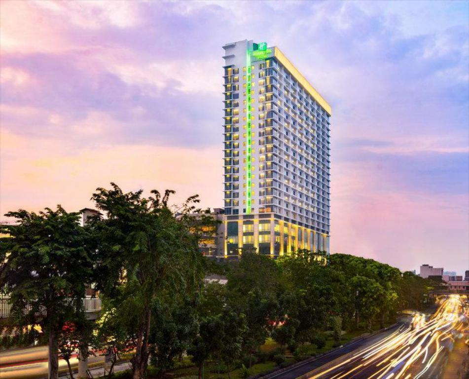 Holiday Inn Suites Jakarta Gajah Mada Jakarta Offers Free Cancellation 2021 Price Lists Reviews