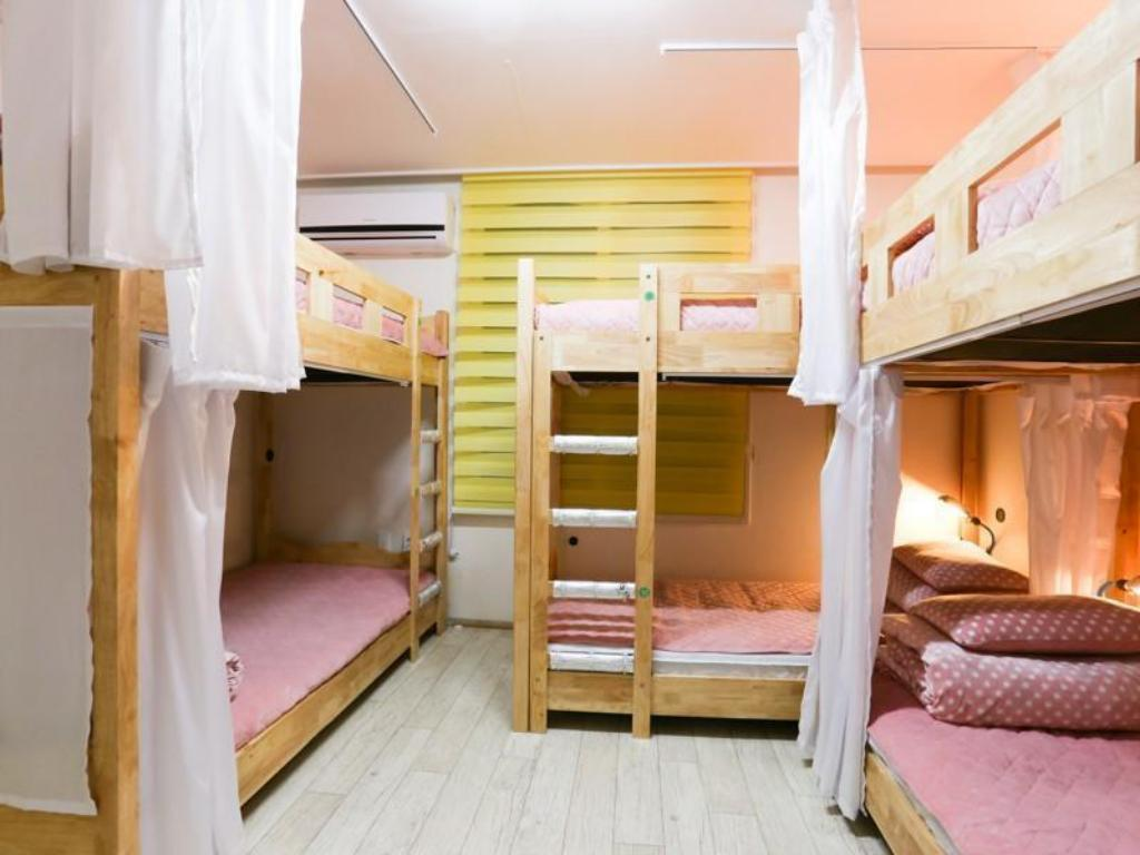 6-Bed Dormitory -- Female Only Jeju BP Guesthouse