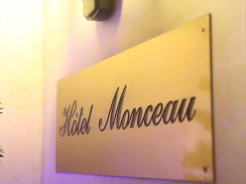 Interior view Hotel Monceau Wagram