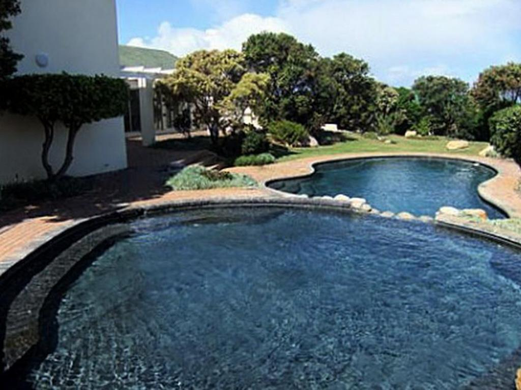 مسبح شقق 31 توباجو باي هيرمانوس سي فرونت (31 Tobago Bay Hermanus Seafront Apartments)