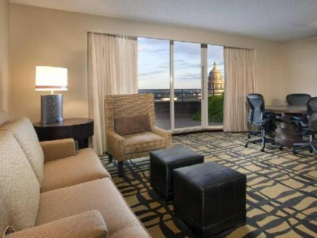 Vedere interior DoubleTree Suites by Hilton Austin