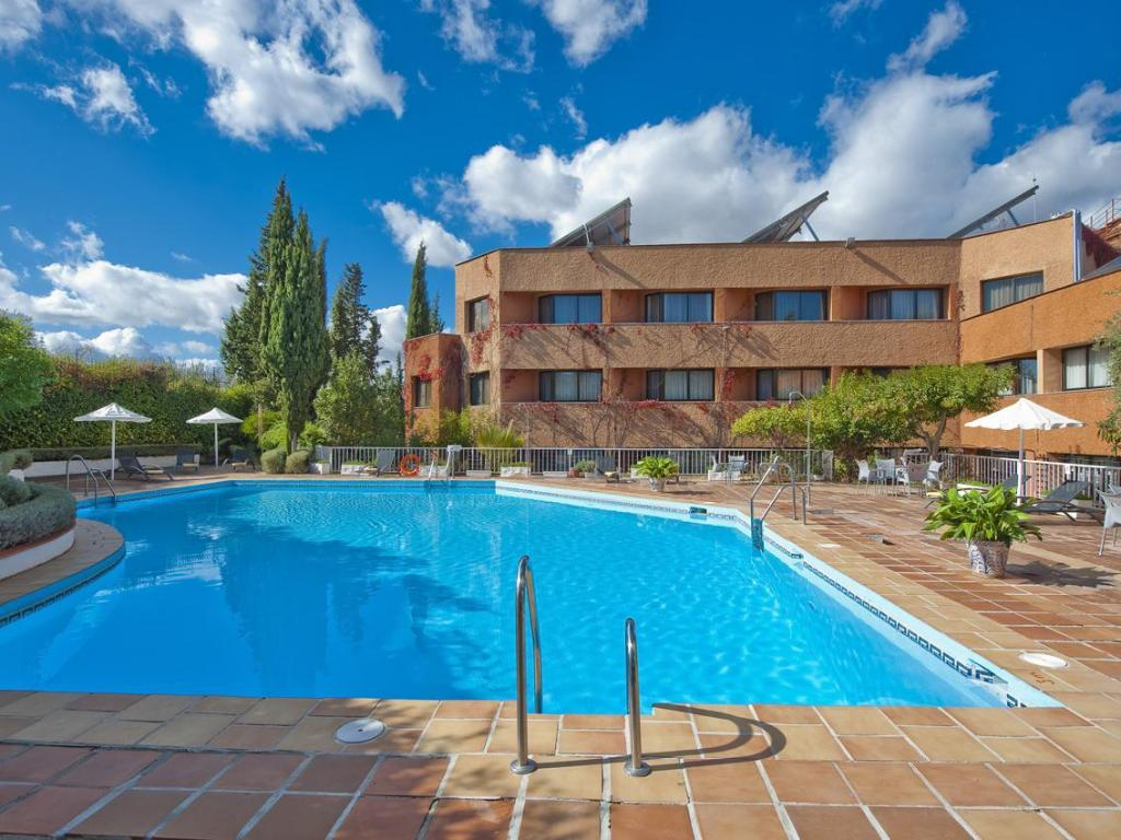 More about Hotel Alixares