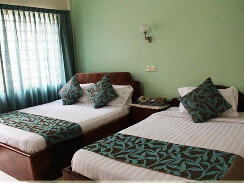 Family Room - (1 Double Bed 1 Single Bed)