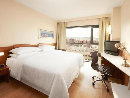 Double or Twin Four Points by Sheraton Barcelona Diagonal