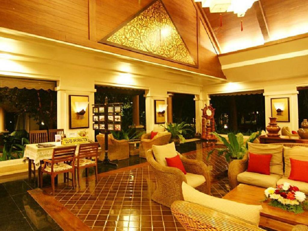 Lobby Laluna Hotel and Resort
