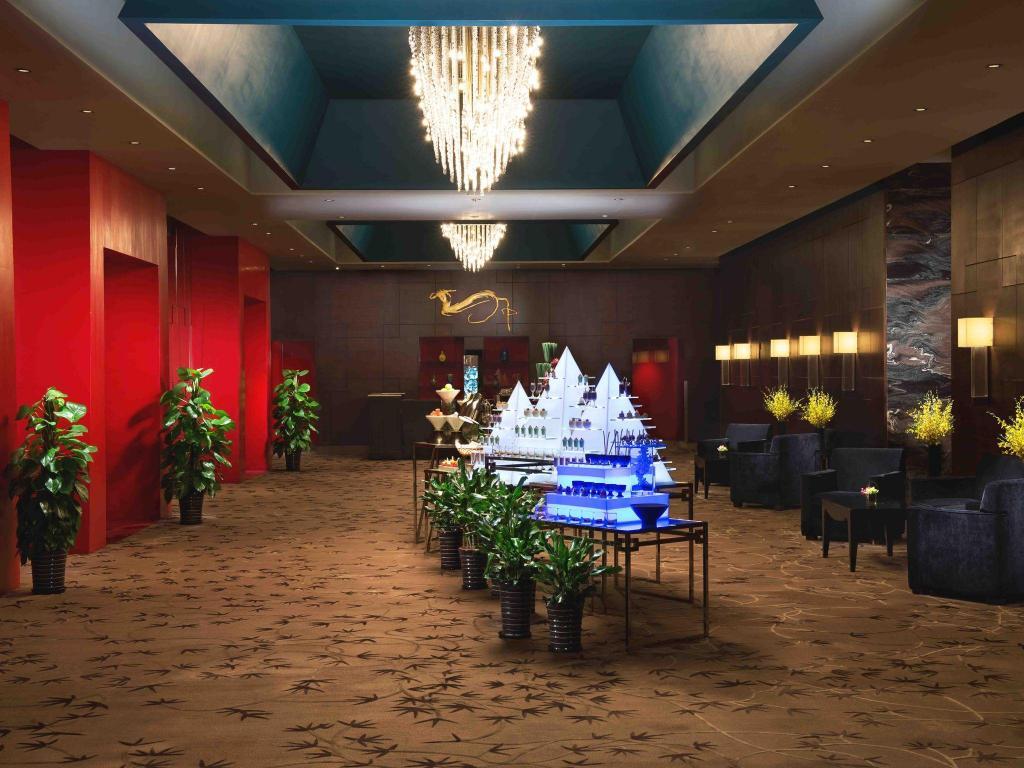 The longemont shanghai hotel