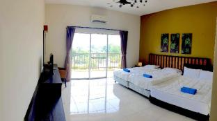 Gold Coast Morib Resort by BeeStay @Sepang [4 Pax]
