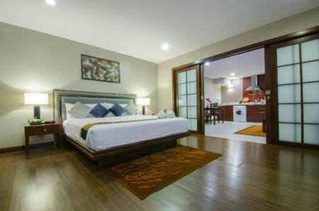 Deluxe King Suite Grand Mercure Bangkok Asoke Residence
