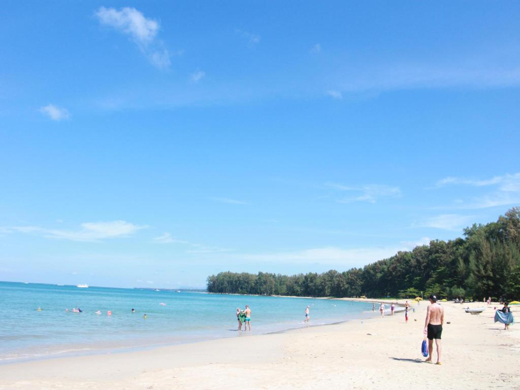 6 Most Beautiful Beaches in Phuket You Must Visit!