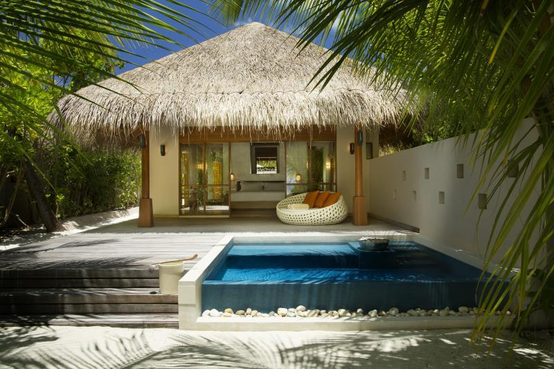 Bungalow Deluxe en la playa con piscina (Deluxe Beach Bungalow with Pool)
