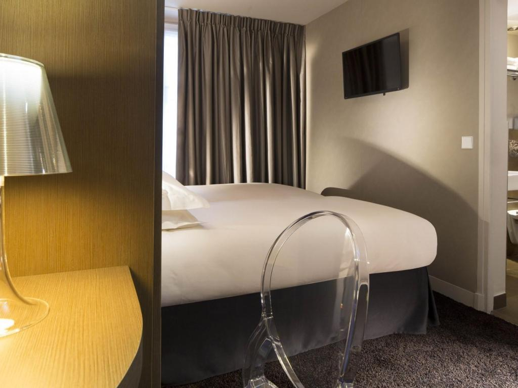 Superior Double Bed - Guestroom Best Western Plus Quartier Latin Pantheon