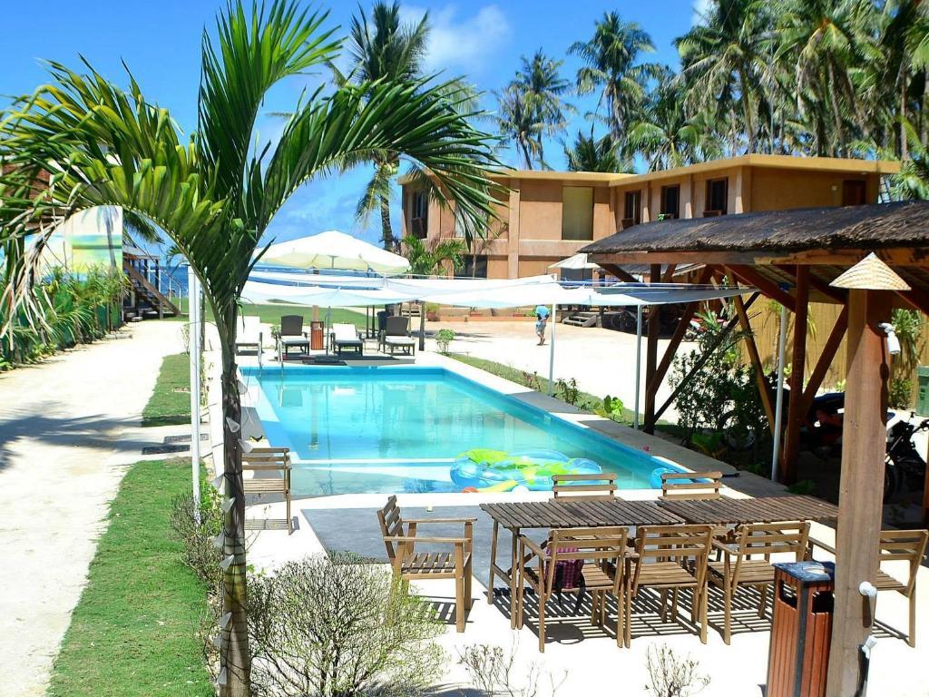 Lubang Island Hotels
