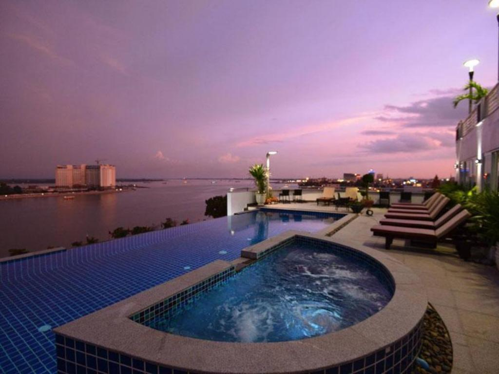 Harmony phnom penh hotel in cambodia room deals photos reviews for Gay in singapore swimming pools