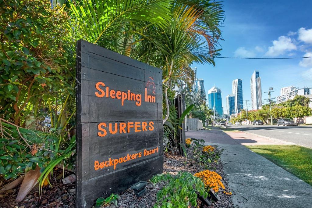 sleeping inn surfers backpackers gold coast promo harga. Black Bedroom Furniture Sets. Home Design Ideas