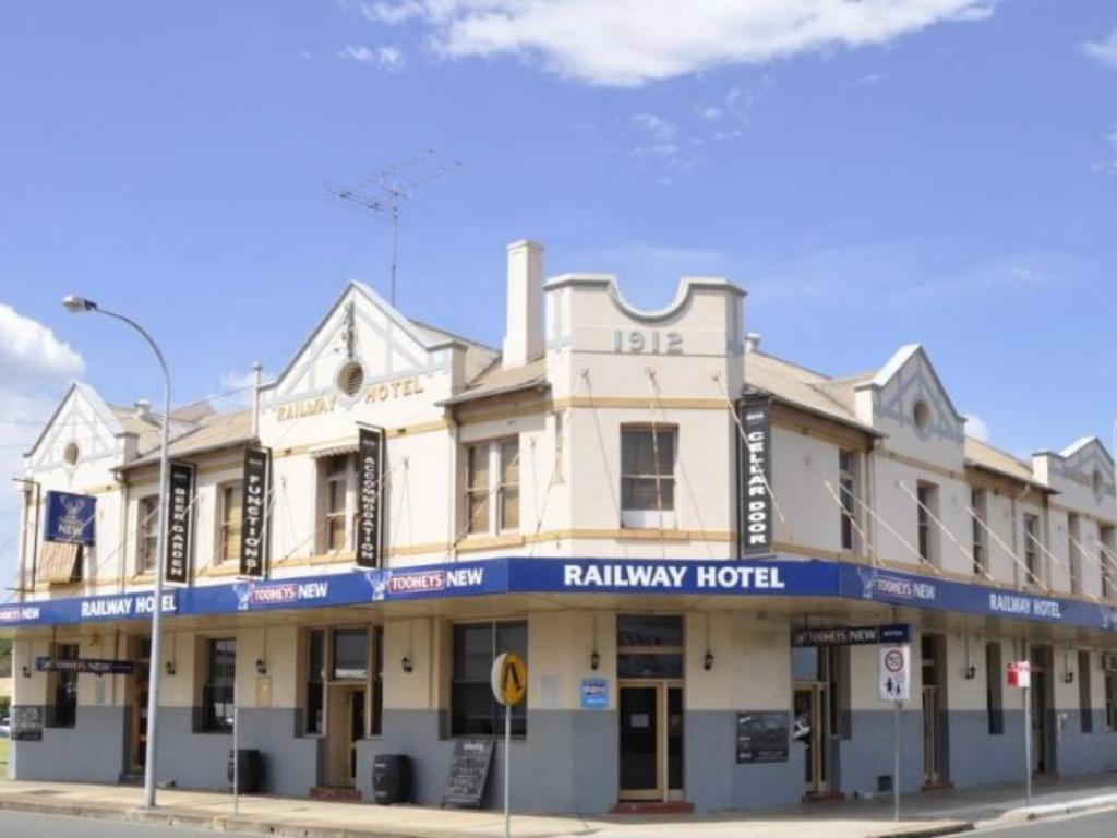 More about Railway Hotel Cessnock