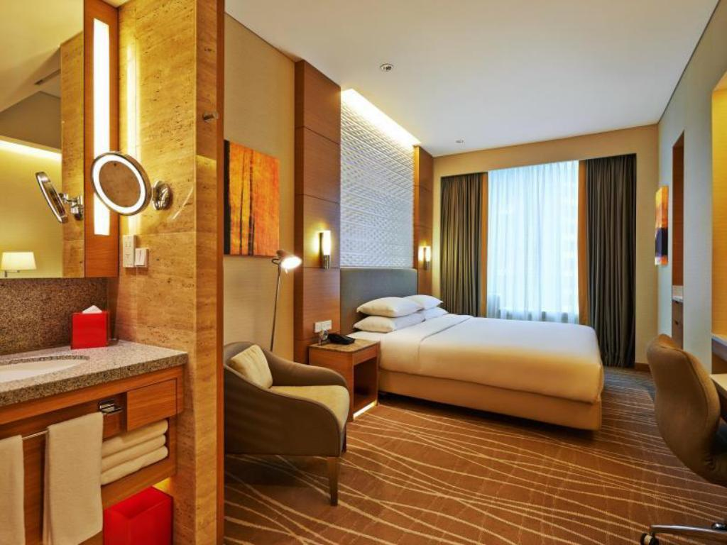 Superior Room King - Guestroom Hotel Jen Orchardgateway Singapore