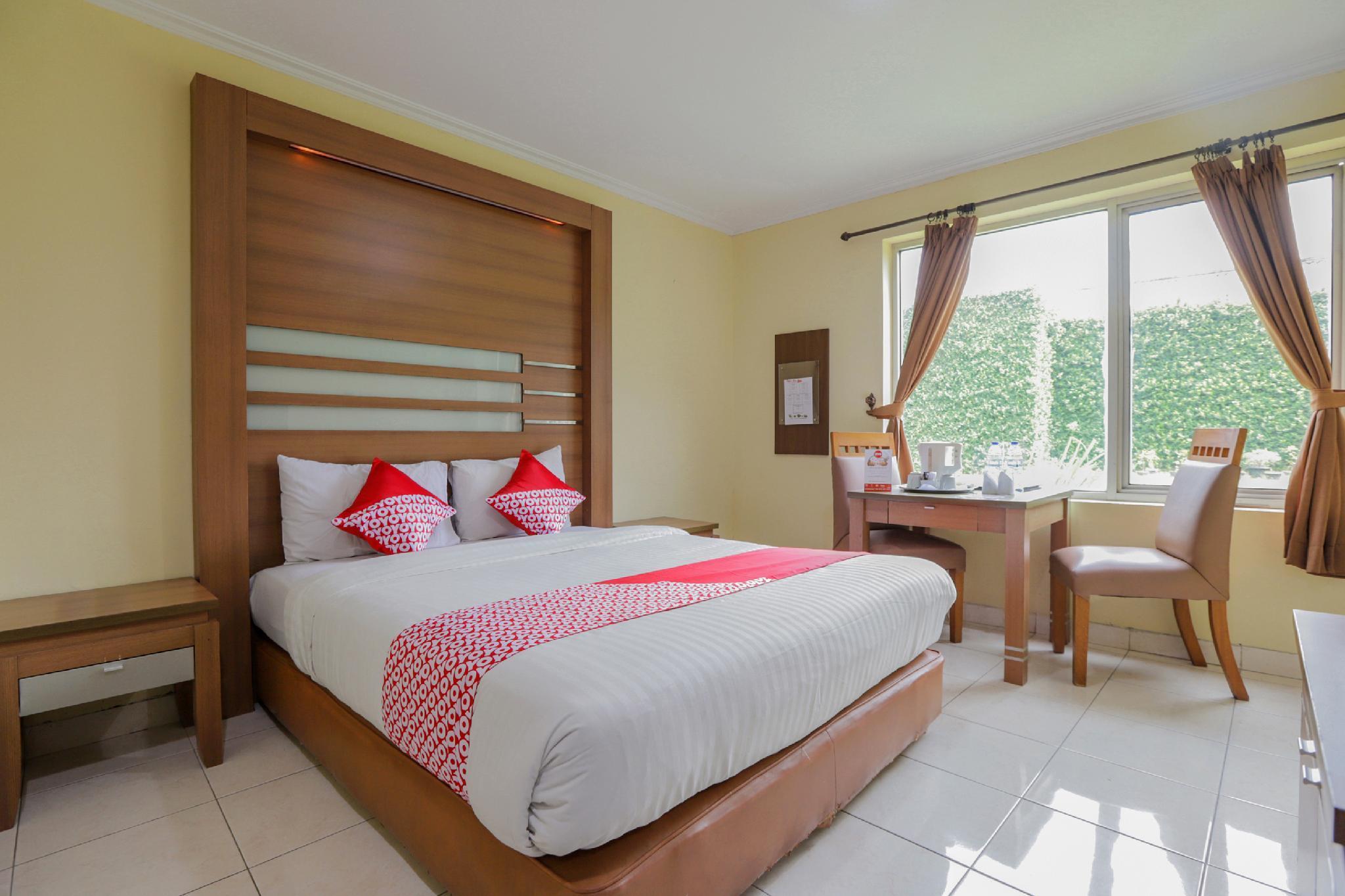 Oyo 918 Hotel Senen Indah Syariah Near Rs Darmais Jakarta Offers Free Cancellation 2021 Price Lists Reviews