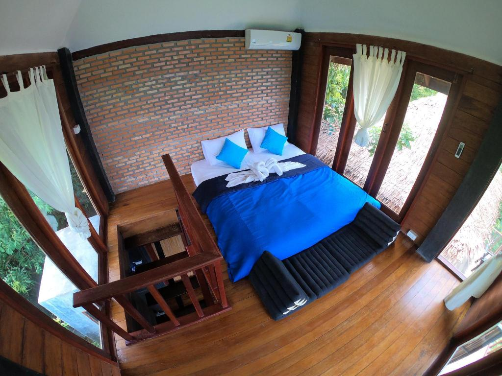 Sea View Duplex Bungalow 2 with Balcony - Bed