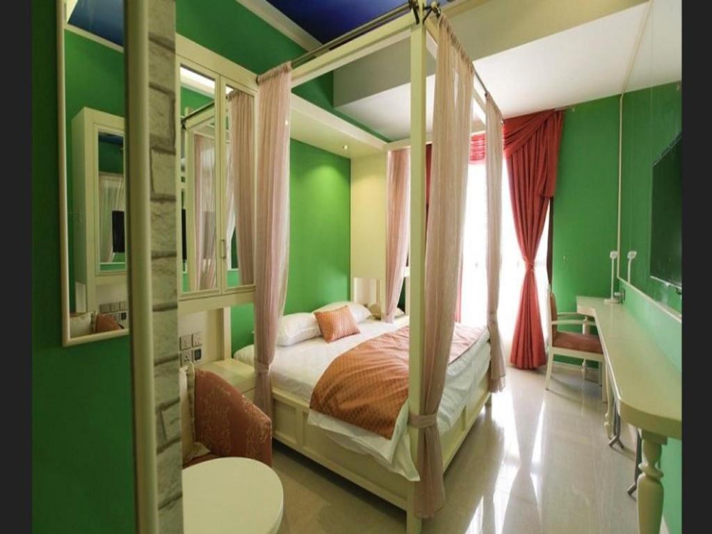 Reflections hotel dubai 4 бур дубай ликвидное имущество что это
