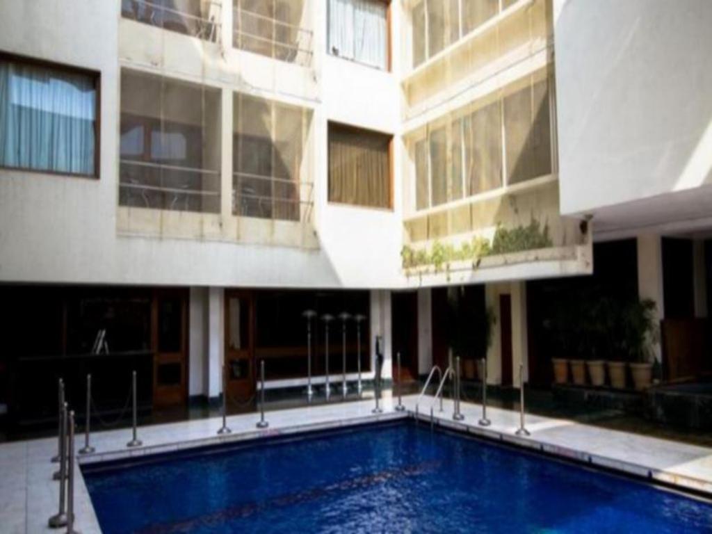 Swimming Pool M K Hotel