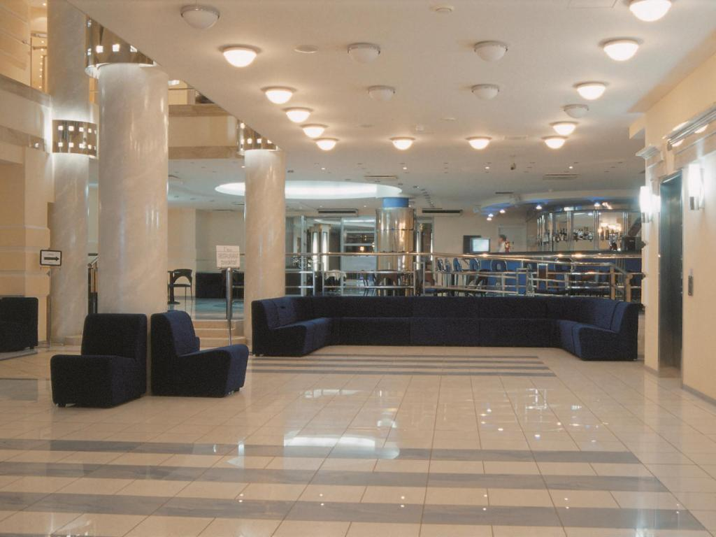 לובי Neptun Business Hotel