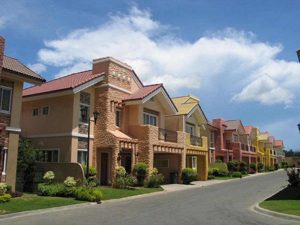 Інтер'єр готелю Crown Regency Suites And Residences - Mactan