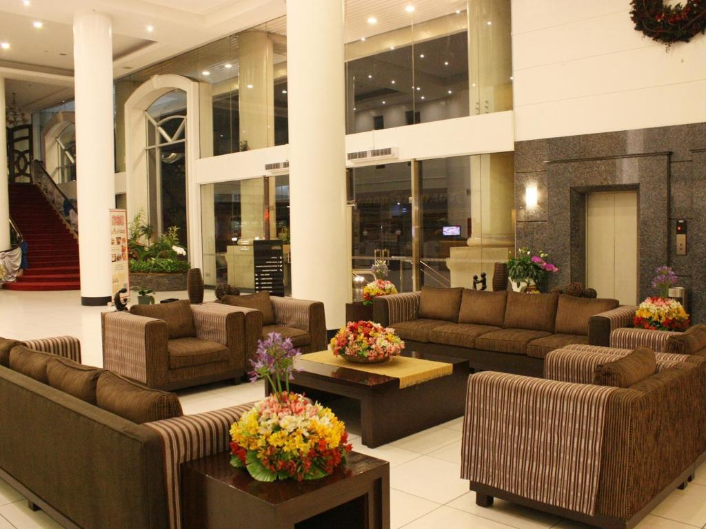 Lobby Hotel Supreme Convention Plaza