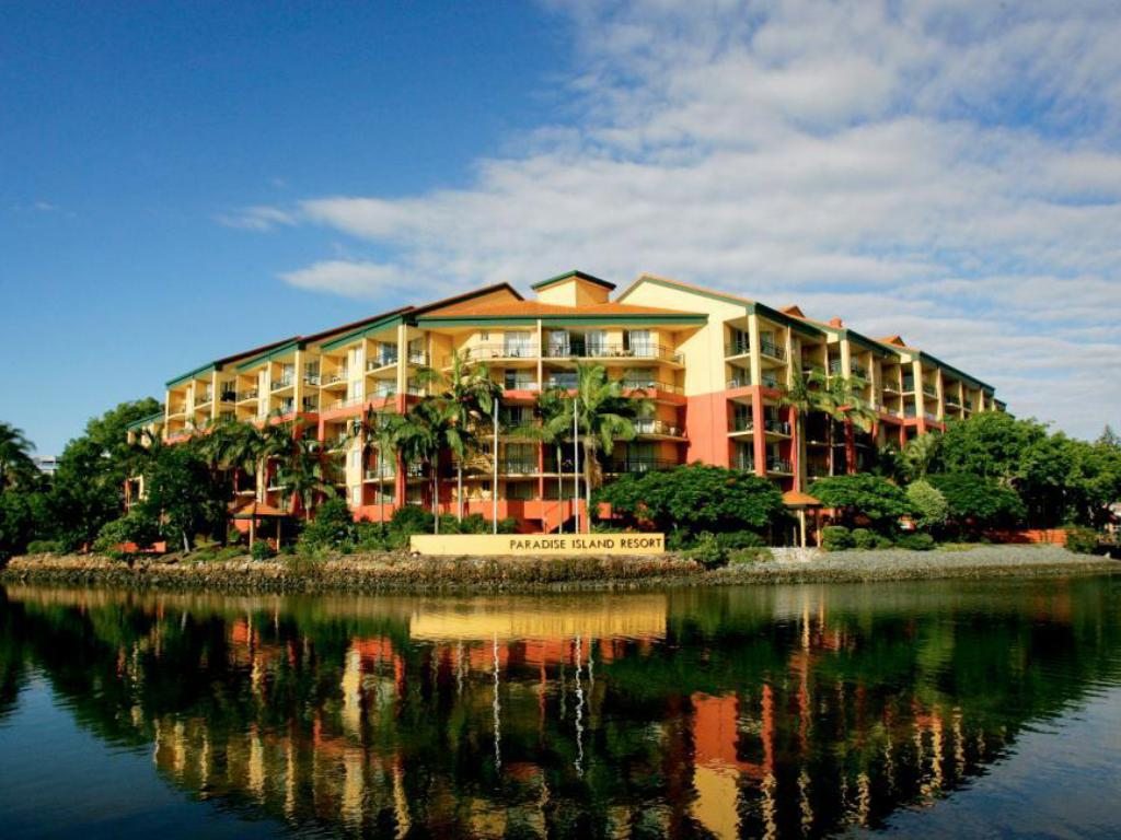 Best price on paradise island resort in gold coast reviews for Paradise motor inn prices