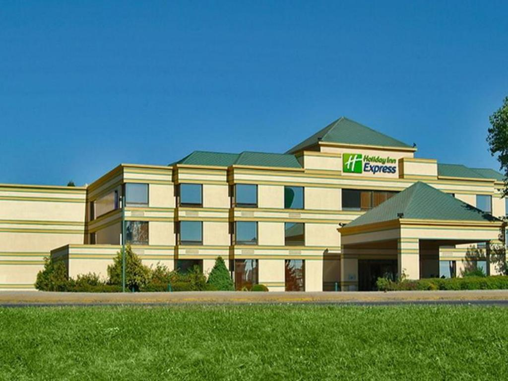 More about Holiday Inn Express Concepcion