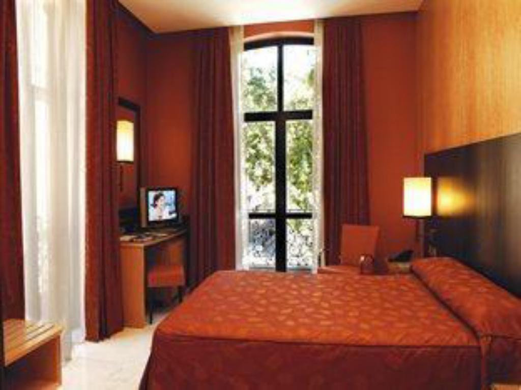 Double Room for Single Use - Bed Medinaceli Hotel