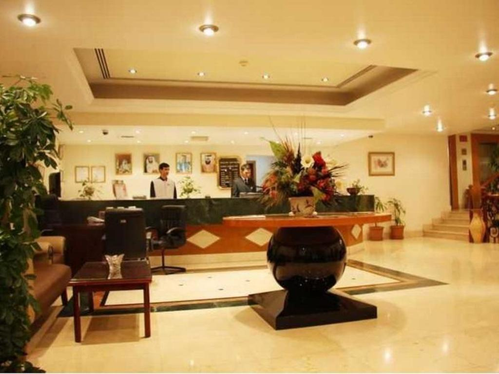 Foyer Ramee Hotel Apartments