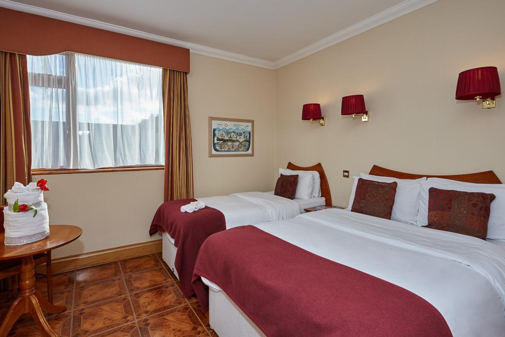 Double and Single Room - Bed Uppercross House Hotel