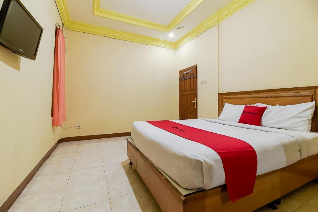 Reddoorz Near Jam Gadang Bukit Tinggi Hotel Bukittinggi Deals Photos Reviews