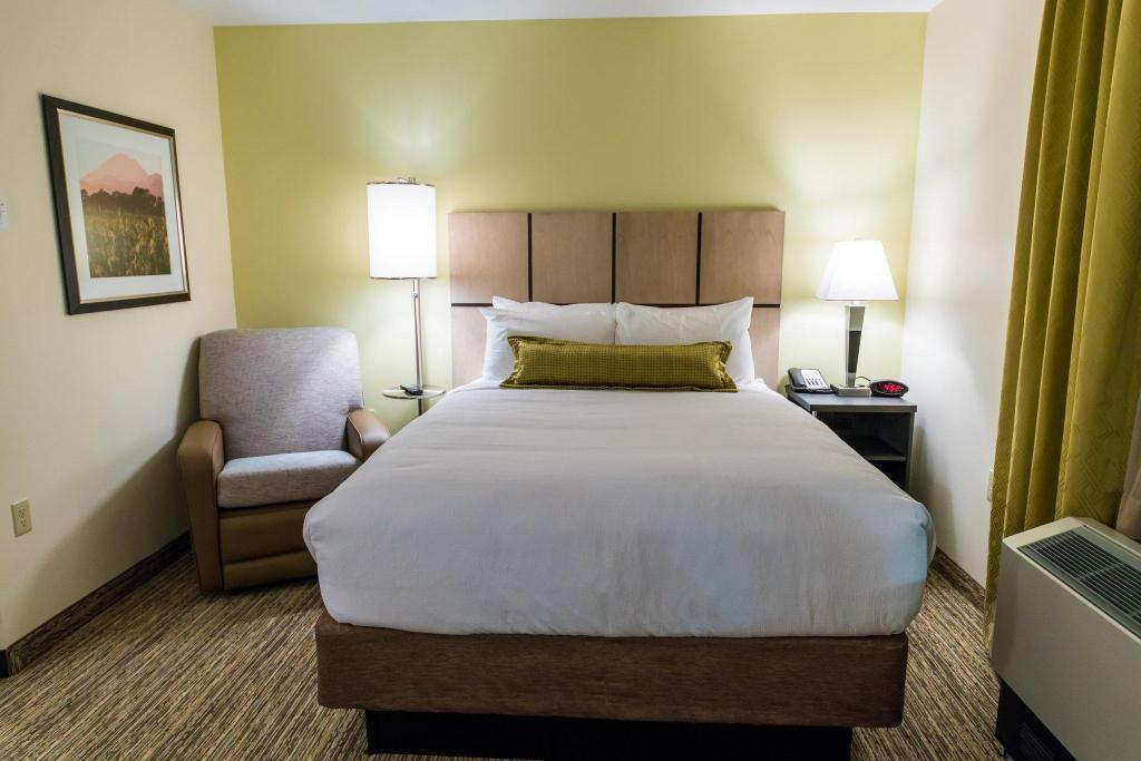Astounding Candlewood Suites Fairbanks Lemeta Fairbanks Ak Room Inzonedesignstudio Interior Chair Design Inzonedesignstudiocom