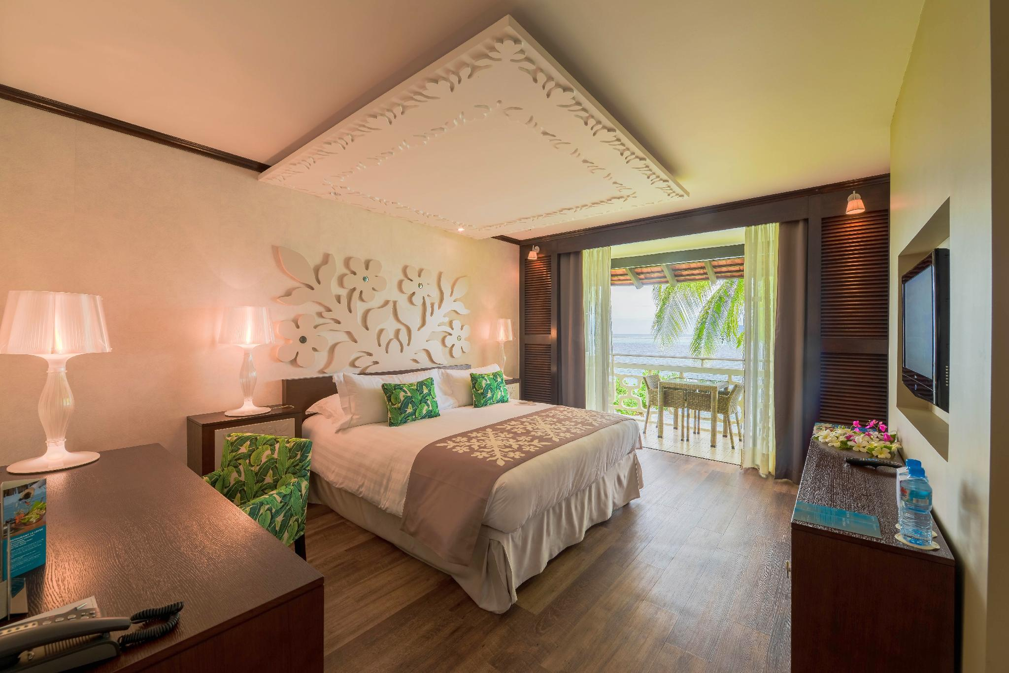 1 King Bed Superior Lagoon View Room