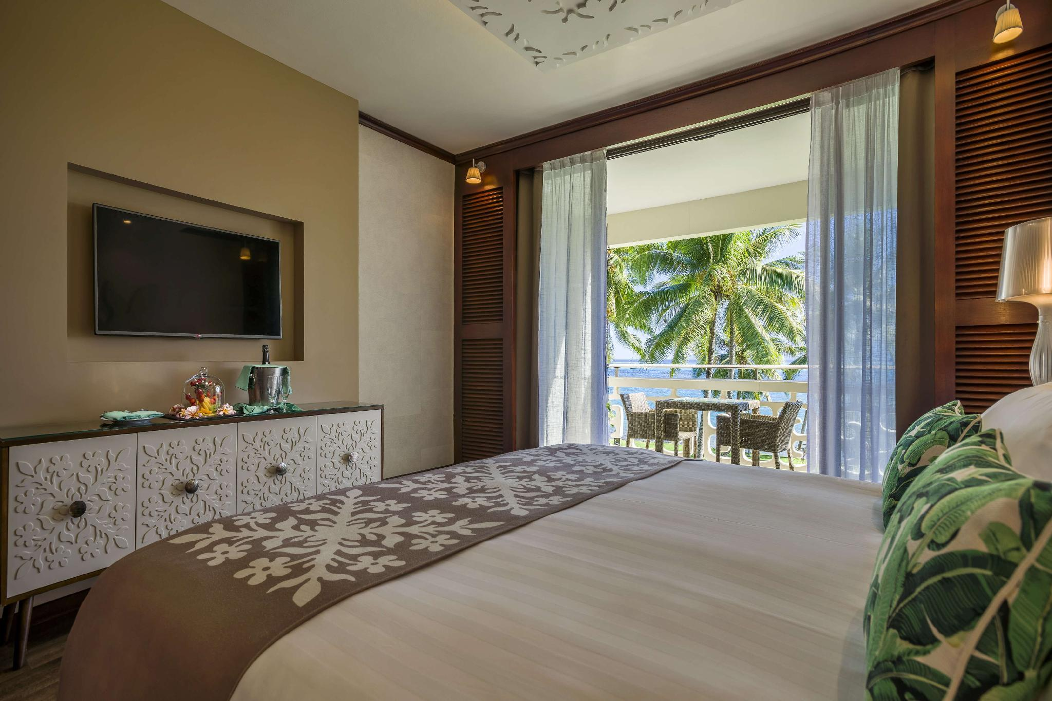 1 King Bed Lagoon View Room