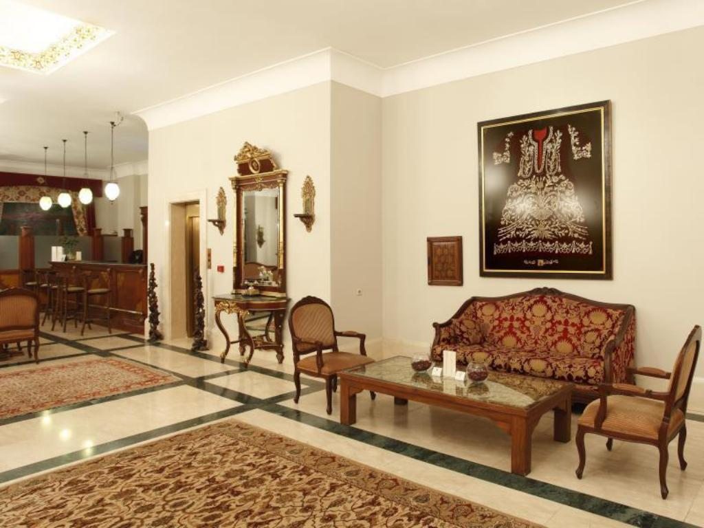 Lobby Hotel Sultanhan Special Category