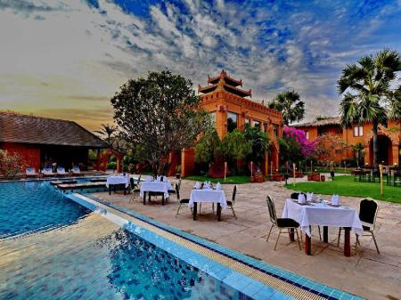 Peldbaseins Myanmar Treasure Resort