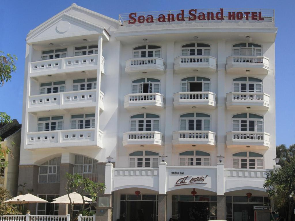 Mai multe despre Sea and Sand Hotel