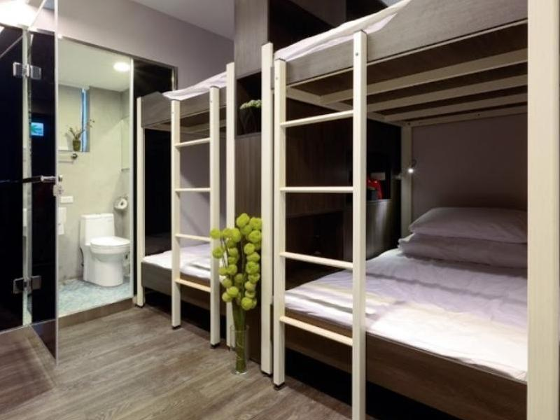 2 People in 4-Bed Dormitory - Female Only