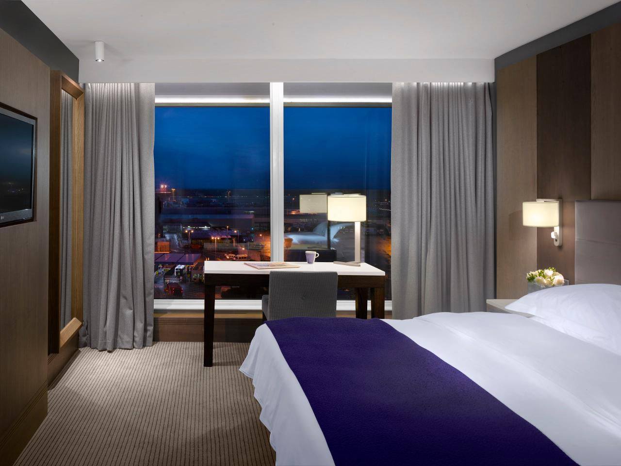 Hotel And Parking Manchester Airport Radisson