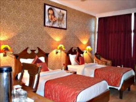 Deluxe Room Grand Sartaj