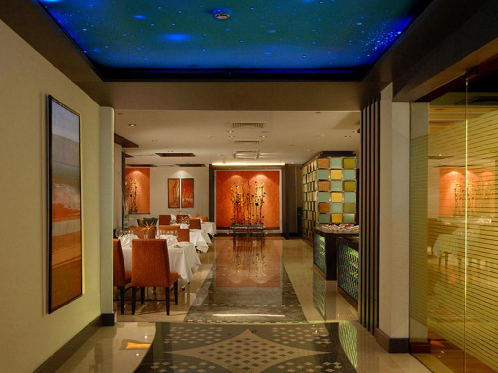 Tampilan interior Fortune Select Global Hotel Gurgaon