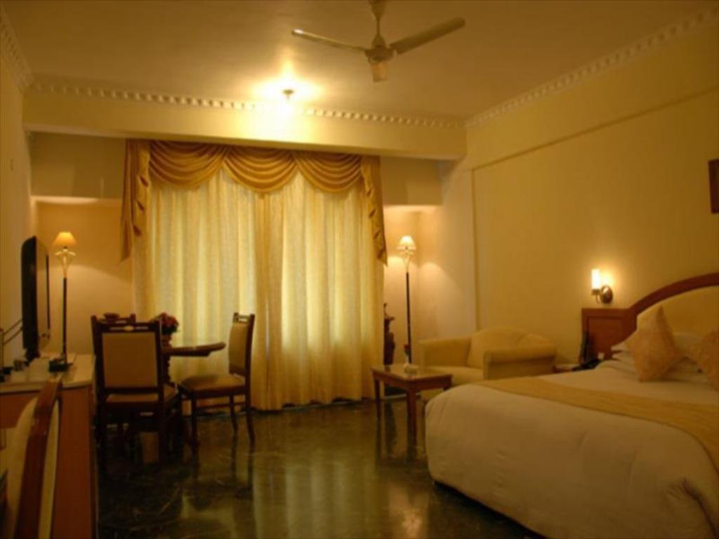 Premier Room Hotel Sandesh The Prince