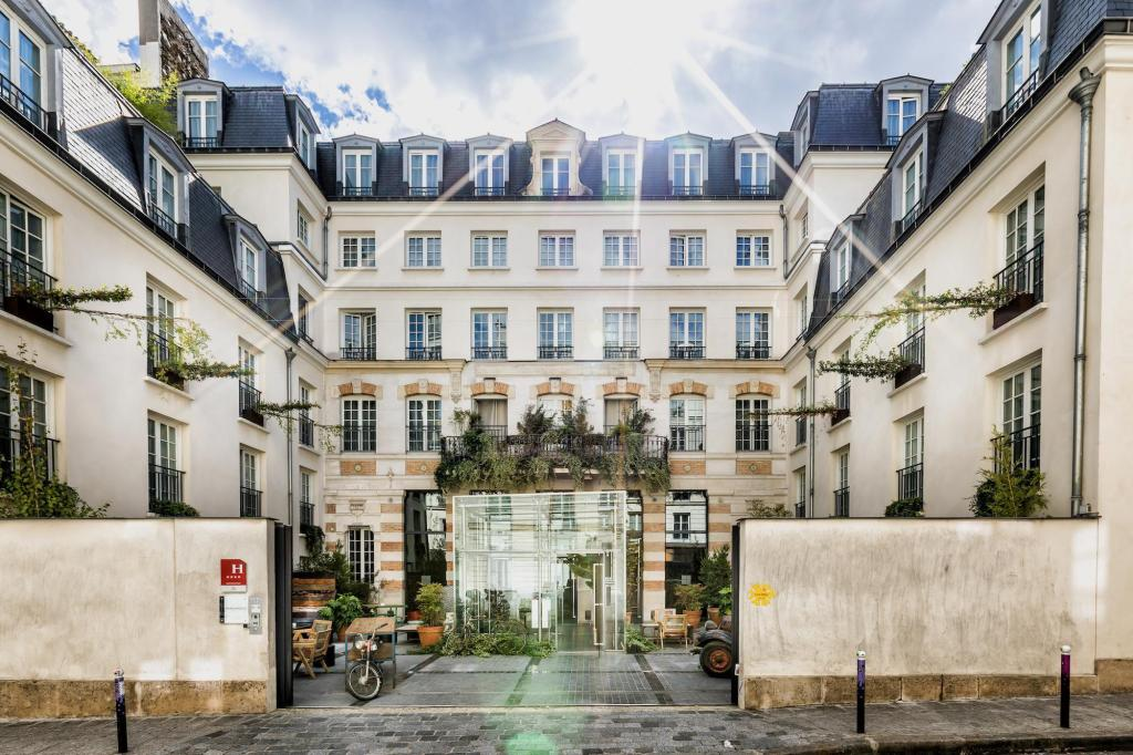 Kube Hotel Ice Bar in Paris - Room Deals, Photos & Reviews