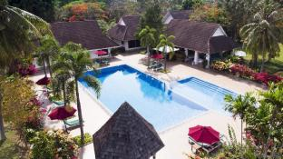 Tamarind Lake Villa (14pax) Pool, Tennis, Service
