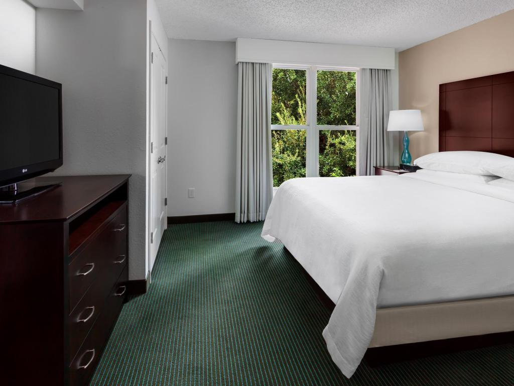 Suite 1 Cama King - Quarto de hóspedes Embassy Suites Orlando Lake Buena Vista Resort